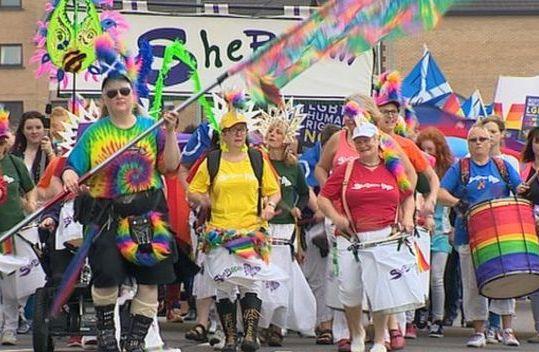 """В Шотландии вводят """"Основы ЛГБТ"""""""