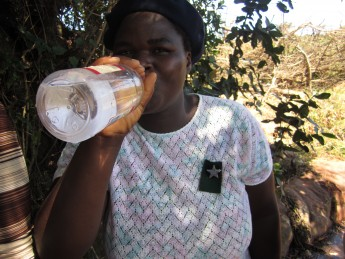 Жительницы ЮАР пьют во время беременности – чтобы родить инвалидов
