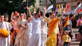 Участие в кришнаитских обрядах опасно для сознания подростков