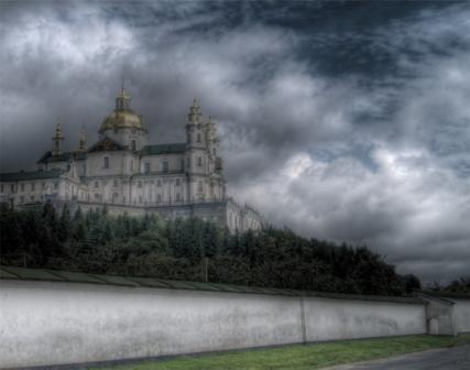 Сектанты-провокаторы у Почаевских стен