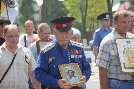 В Луганске возобновят молитву и крестные ходы
