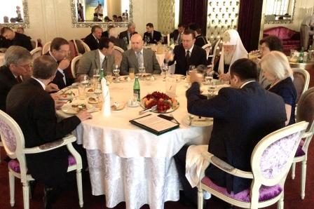 Американская традиция молитвенных завтраков пустила корни в сектантской Украине