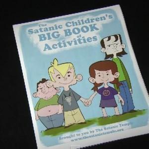 Американские сатанисты намерены распространять в школах свои учебники