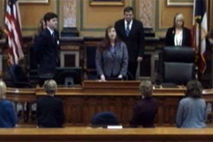 В нижней палате парламента штата Айова ведьма провела языческую службу
