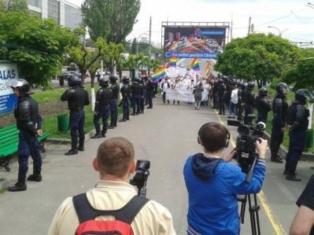В Кишиневе марш извращенцев окончился побегом