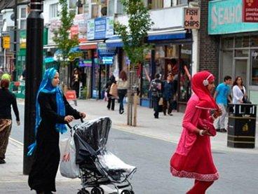 В Великобритании ислам стал самой динамично растущей по числу последователей религией